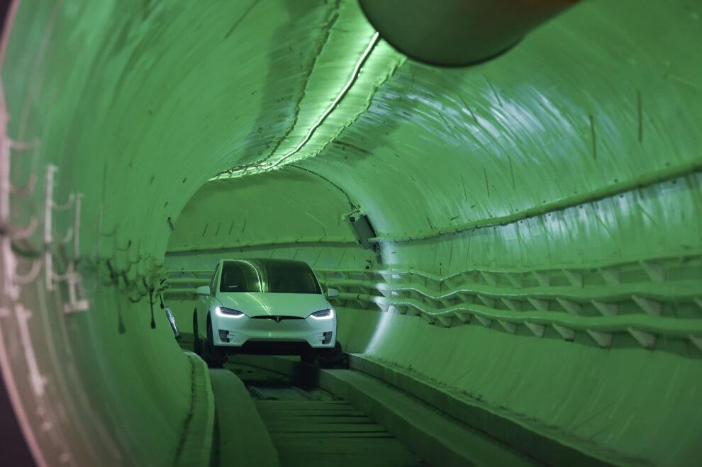 Boring tunnel company starts test operations under Las Vegas