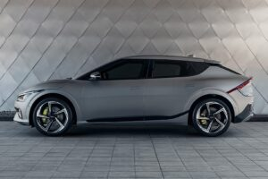 Convincing attack on the electric luxury class